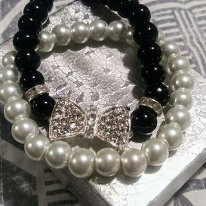Jewelry - 2 Fashion Pearl Bracelets